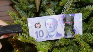 The weird science hidden inside Canadian money